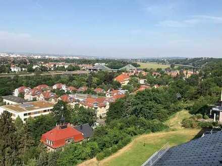 Luxus 4-Zimmer DG Wohnung mit Traum-Panoramablick in Loschwitz