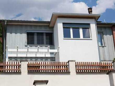 Doppelhaushälfte in Tiengen, ruhig, mit fantastischen, mediterranen Außenanlagen, die Ruheoase