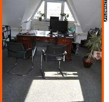 Büro oder Praxisfläche 10 Zimmer auf 2 Etagen auf Wunsch renoviert. TOP Lage