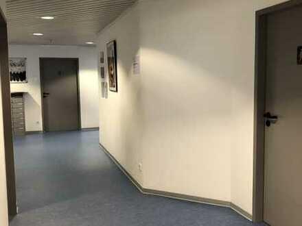 Büro-/Praxisflächen in Wohn- und Geschäftshaus