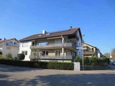 2-Zimmer-Dachgeschosswohnung mit Balkon und Einbauküche