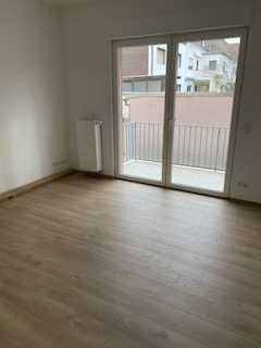 Kernsanierte helle Wohnung mit gehobener Ausstattung