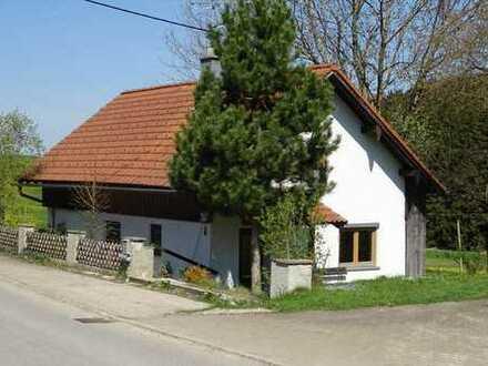 Niedliches kleines Hexenhaus mit neuer Heizung. am Ortsrand Nähe Obergünzburg
