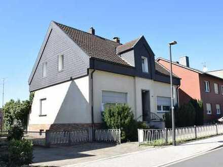 Werne ! Freistehendes Einfamilienhaus mit viel Platz !