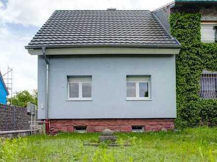 Gepflegtes Haus mit Garten und Scheune