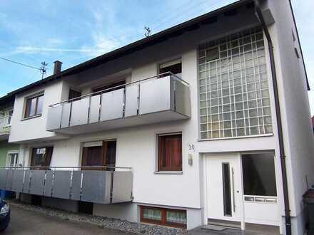 Schöne 3 Zimmer-DG-Wohnung mit Einbauküche in Schömberg