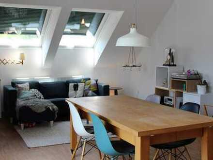 Stilvolle, neuwertige 2-Zimmer-DG-Wohnung mit Balkon und Einbauküche in Pfaffenhofen an der Ilm