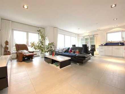 NEUBAU, großzügige 3,5 Raumwohnung mit Balkon im TOP-Design, Traumausstattung, Einzelgarage + TG