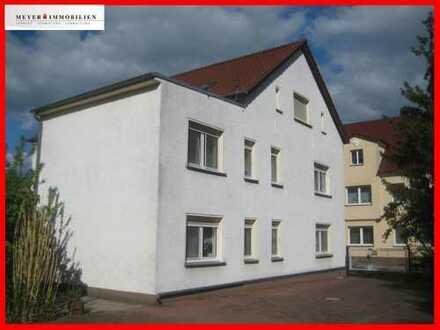 Großzügige & helle EG-Wohnung mit Wannenbad, Garage und Hofnutzung