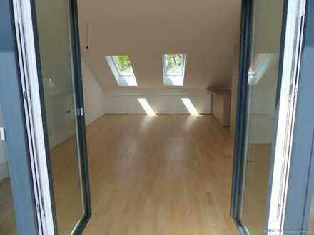 RE/MAX Grafing** NEU-Dachterrassen-Wohnung MITTEN in Grafing**