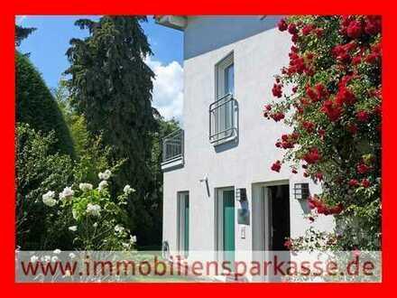 Stilvolles Wohnhaus - ein Haus zum Verlieben!