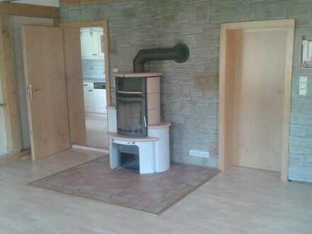 Günstige, modernisierte 3,5-Zimmer-Wohnung mit Balkon und EBK in Tautenhain