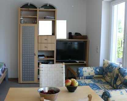 Stilvolle, neuwertige 1-Zimmer-Wohnung mit Balkon und EBK in Aichwald