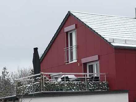 Sonnige, geräumige und neuwertige 2-Zimmer-Terrassenwohnung mit EBK in Feldkirchen bei München