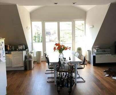 EINZIEHEN & WOHLFÜHLEN. Exklusive möblierte Wohnung mit zwei Balkonen im Marschwegviertel.