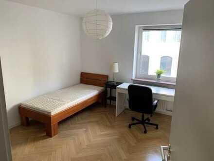 15 qm Zimmer in bester Lage