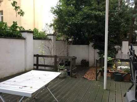 Lichtdurchflutete 2-Zimmer Gartenwohnung in Lindenthal!