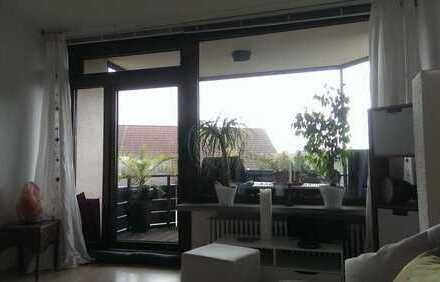 Modernisierte 3,5-Zi-Maisonette-Wohnung, 2 Balkone, nette EBK im grünen Herzen von Nürnberg