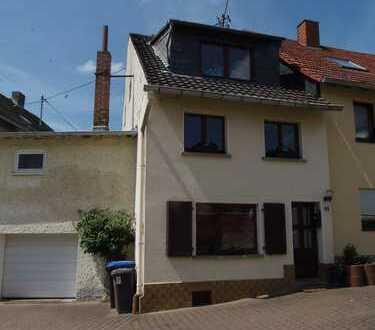 Schönes Haus mit sechs Zimmern in Bad Kreuznach (Kreis), Daxweiler bei Stromberg