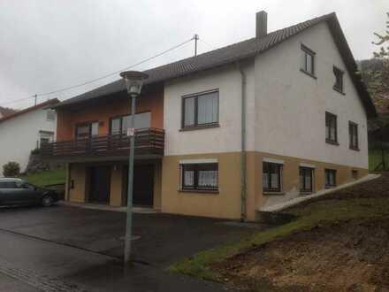 Modernisiertes Einfamilienhaus, Top Lage, mit sechs Zimmern und Einbauküche in Dürbheim,