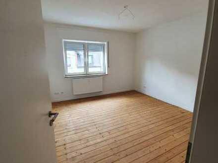 Exklusive, sanierte 3-Zimmer-Wohnung mit Balkon in Karlsruhe