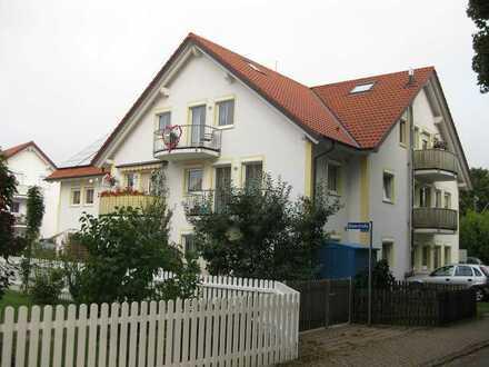 Gepflegte 2-Raum-DG-Wohnung mit Balkon und Einbauküche in Türkenfeld