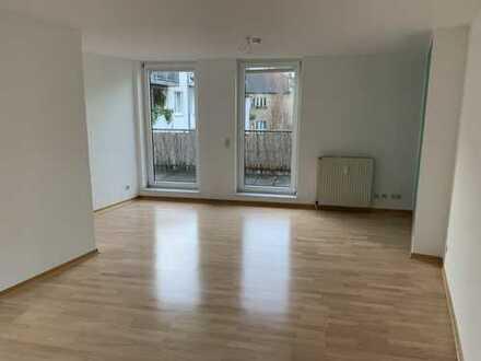 Ruhige und gepflegte 2-Zimmer-Wohnung mit Balkon in Düsseldorf am Rochusmarkt