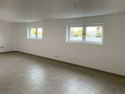 Neuwertige 1-Zimmer-Wohnung mit EBK in Mittelstetten