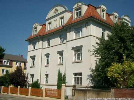 Großzügige 2-Zimmer-Wohnung mit Einbauküche in Dresden-Cotta