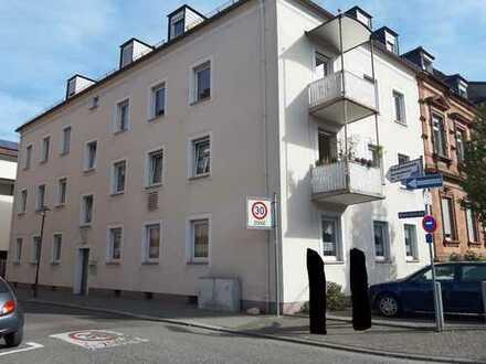 Helle, freundliche Wohnung in zentraler Lage von Worms, 3 ZKB + 2 Balkone