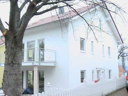 Schöne, ruhige zwei Zimmer Dach-Wohnung in Bad Kreuznach Süd in Stadtvilla ideal für single