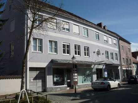 Komplett sanierte, moderne Dachgeschoß-Wohnung in der historischen Altstadt von Schongau