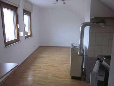Studentenwohnung im DG in zentraler Lage HD-Kirchheim