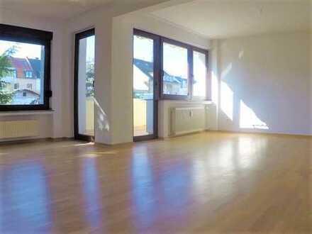 REFORCE - Sonnige 4- Zimmer- Wohnung mit Balkon in Ruhiglage in Nippes