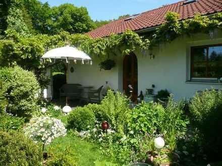 Schönes freistehendes Einfamilienhaus mit drei Zimmern in Gauting-Königswiesen
