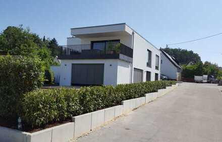 Luxuriöse und großzügige Wohnung mit schöner Dachterrasse in Richtung Westen