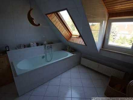 Reihenendhaus mit Atelierhaus + Sauna
