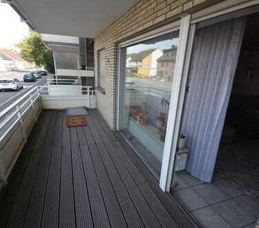 *Reserviert* Schöne Erdgeschosswohnung mit eigenem Garten und Garage.