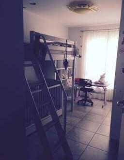 Exklusive, neuwertige 3-Zimmer-Erdgeschosswohnung mit EBK in Frankfurt