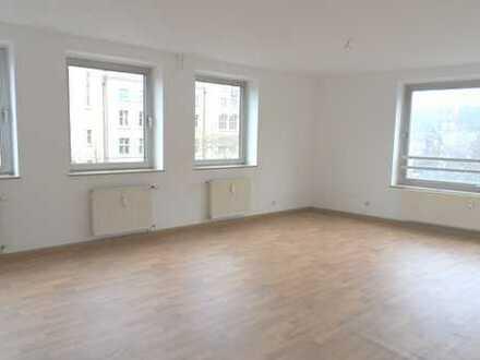 Große, gut geschnittene Büroräume für Praxis oder Gewerbe in der Innenstadt