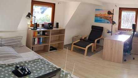 Schönes 24 m² Zimmer in 3-er WG und ruhiger, entspannter Lage
