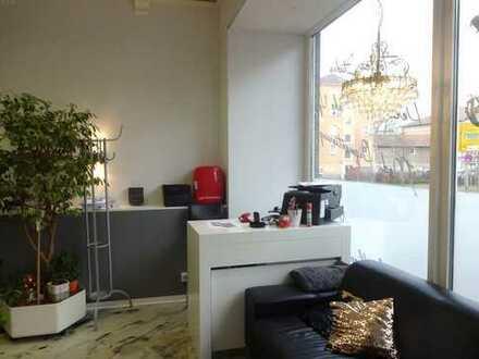 Attraktive Laden- Büro- oder Praxisfläche mit 2 separaten Eingängen in guter Innenstadtlage