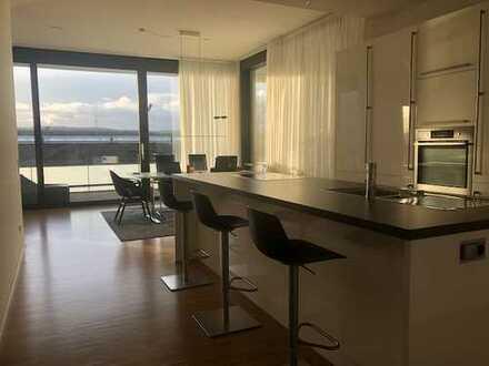Stilvolle, geräumige und neuwertige 2,5-Zimmer-Car-Loft-Wohnung mit Balkonen und EBK in Karlsruhe