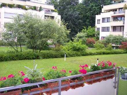 Wohnen im Park! 3- Zimmer Wohlfühl-Wohnung in kleiner ruhiger Wohnanlage