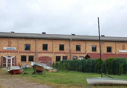 massive Lagerhalle, auch für Produktion geeignet, inkl. Betriebswohnung