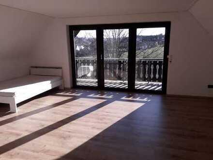 Schöne 3-Zimmer-DG-Wohnung mit 2 Balkonen in Büren-Steinhausen