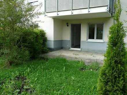 *** Kleine 3 Zimmer Wohnung mit Terrasse im Grünen ***