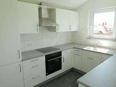 Superhell und gemütlich: die kleine 4-Zimmer-Wohnung im Dachgeschoss mit Balkon
