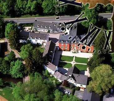 Burg Dalbenden in Kall/Urft: vollständig renovierte 2-Zimmer-Erdgeschosswohnung mit EBK ab sofort