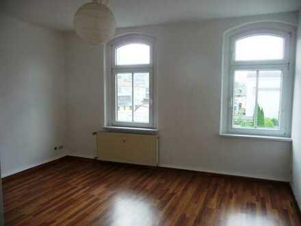 Schöne helle 2-Raum Wohnung mit Stellplatz